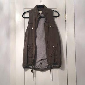 Lou & Grey Cargo Vest Size XS